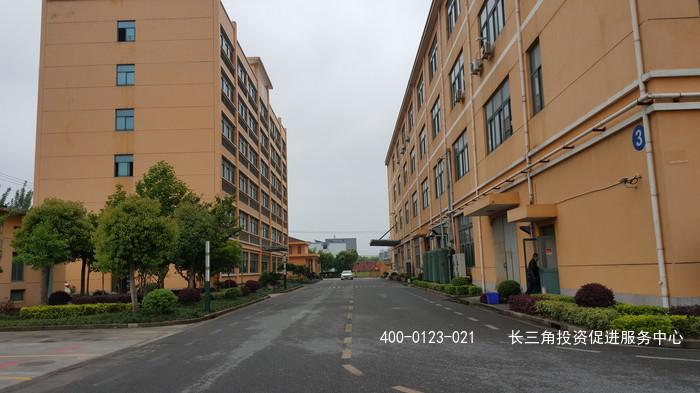 G2411金山区朱吕公路 单层1200平带行车 单层1150平带行车 二楼400平 厂房出租 可仓库生产办公