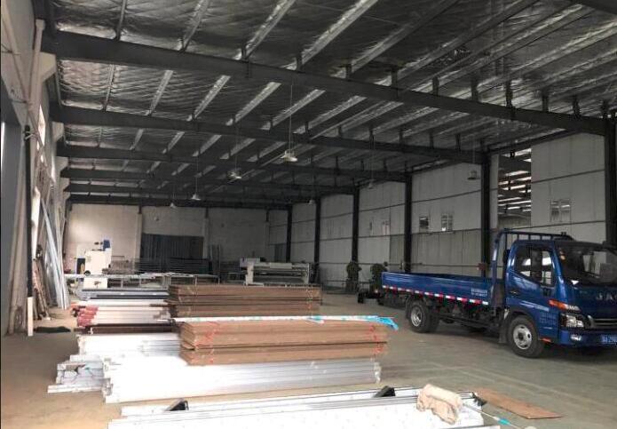 南京产业转移承接区:滁州来安县汊河新区纬六路 可装行车单层厂房出租  2400平 有排污管道