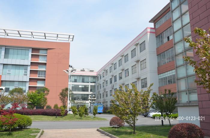 G2545 宝山工业园区 单层钢结构3200平 三楼585平 二楼400平方米厂房出租 可分租