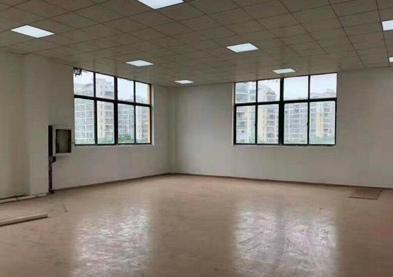 松江九亭地铁口旁 商业街附近 创意工坊 精装修 小面积 办公室
