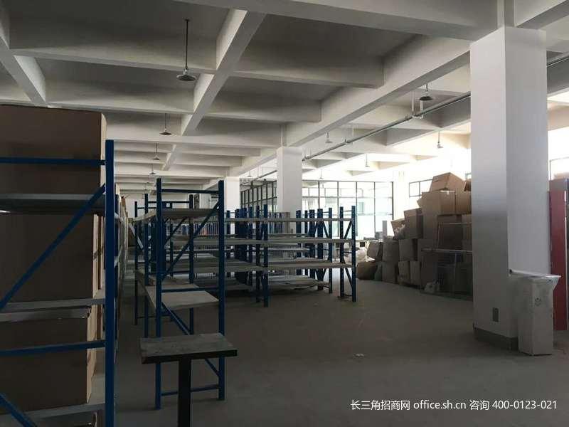 G2742上海青浦区华新镇嘉松中路华志路 易代储三号院 600平出租 适合电商仓储
